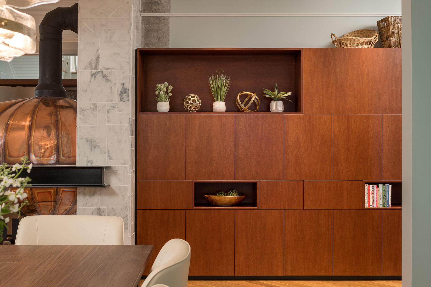 interior design bookshelf detail